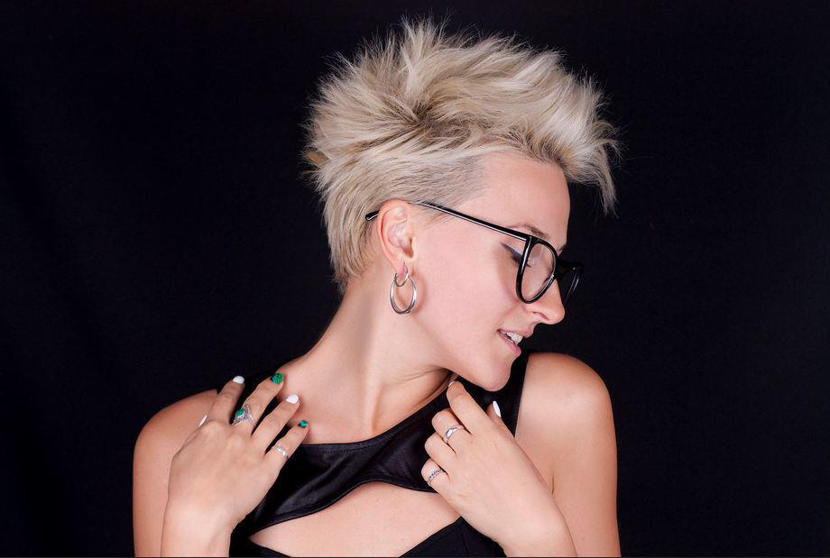 Contemporary Short Haircuts for Women 2022: Thin Hair
