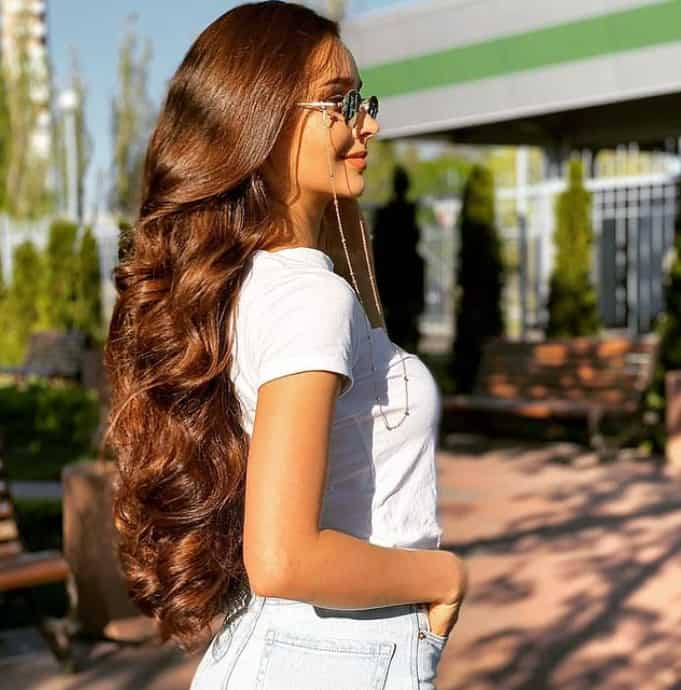 15 Impressive Hairstyles for Round Faces 2022