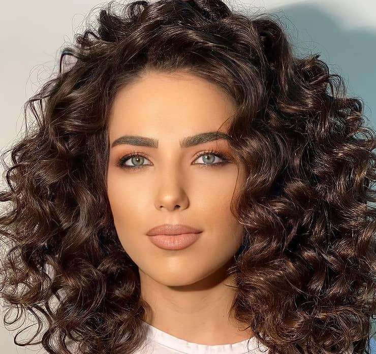 Women's Long Hairstyles 2022 for Curly Hair