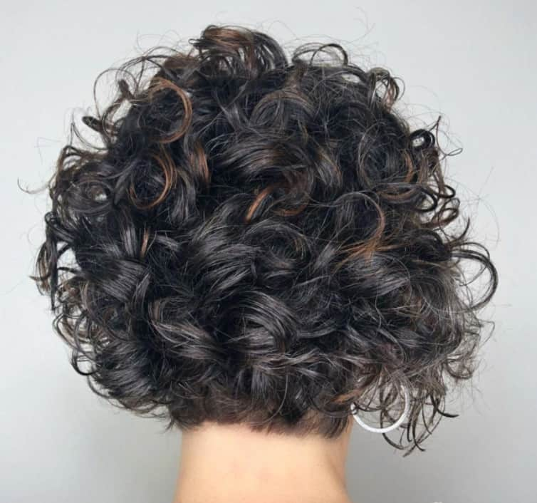 Medium Curly Hairstyles 2022 with Lob