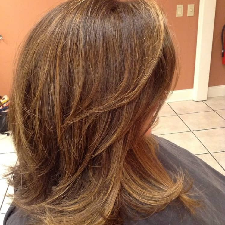 Medium-Length Hairstyles 2022 for Female: Multi-Layered Haircut